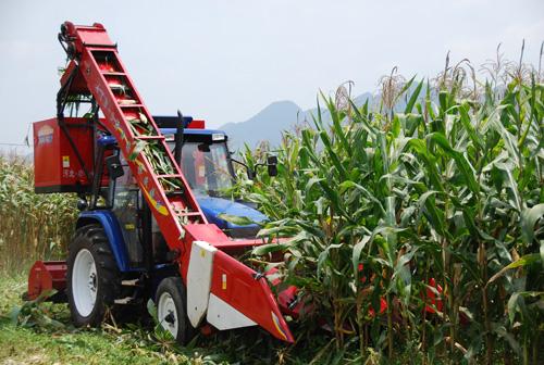 2013年玉米收割机市场分析与2014年展望